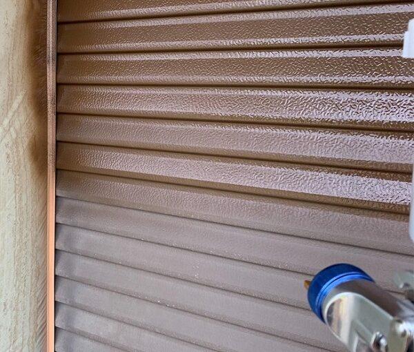 群馬県前橋市 N様邸 外壁塗装・防水工事 雨戸塗装 エアコンカバー塗装 吹き付け工法 (8)