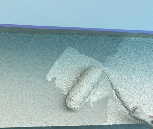 群馬県前橋市 N様邸 外壁塗装・防水工事 ガイソーウォールマットマックスF GWフィーラー微弾性 ウールローラー1 (7)