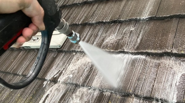 群馬県伊勢崎市 W様邸 屋根塗装・外壁塗装・付帯部塗装 下地処理の重要性 バイオ洗浄 (3)