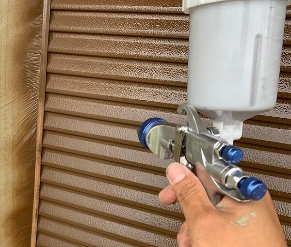 群馬県前橋市 N様邸 外壁塗装・防水工事 雨戸塗装 エアコンカバー塗装 吹き付け工法 (7)