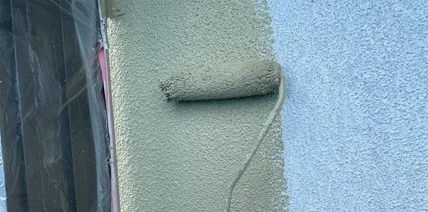 群馬県前橋市 N様邸 外壁塗装・防水工事 ガイソーウォールマットマックスF GWフィーラー微弾性 ウールローラー1 (4)
