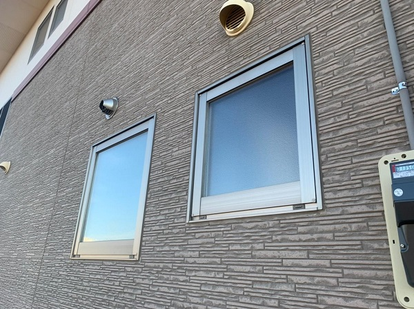 群馬県前橋市 H様邸 外壁塗装・付帯部塗装・アルミサッシ面格子取り付け (1)