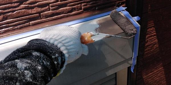 群馬県前橋市 H様邸 外壁塗装・付帯部塗装 シャッターボックス、土台水切り塗装 完工 (4)