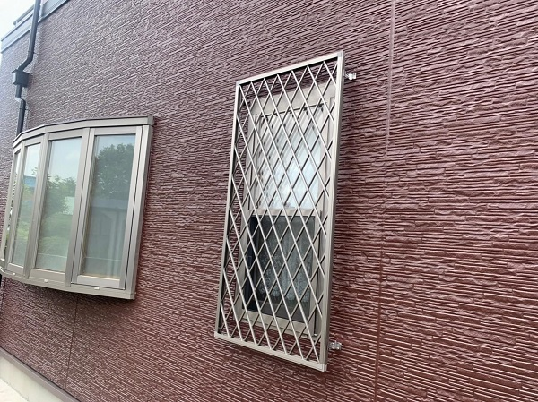 群馬県前橋市 H様邸 外壁塗装・付帯部塗装・アルミサッシ面格子取り付け (10)